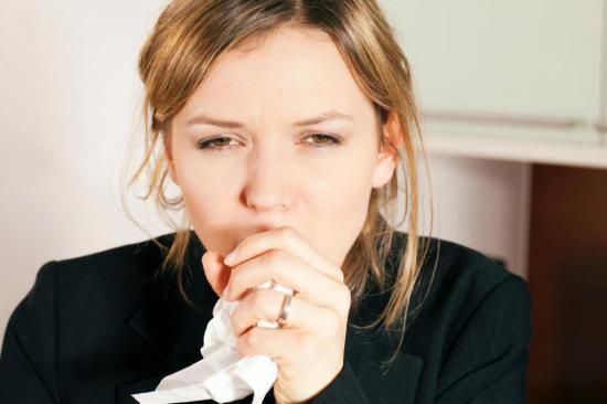 При ХОБе человека мучает кашель