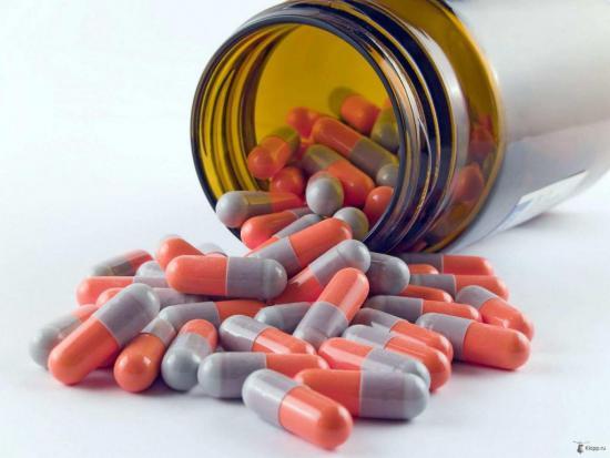 Наличие инфекции вызывает необходимость приема антибиотиков
