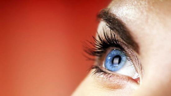 Самые эффективные глазные капли от катаракты