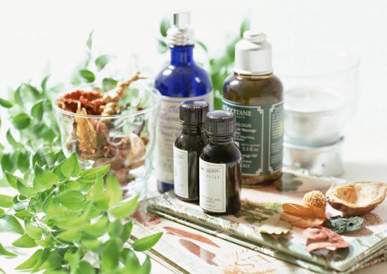Касторовое масло применяется от выпадения волос