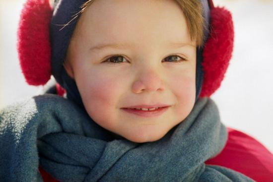 Припухлости под глазами могут быть спровоцированы аллергией