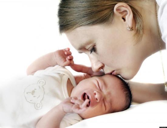 Дети могут потеть во время кормления