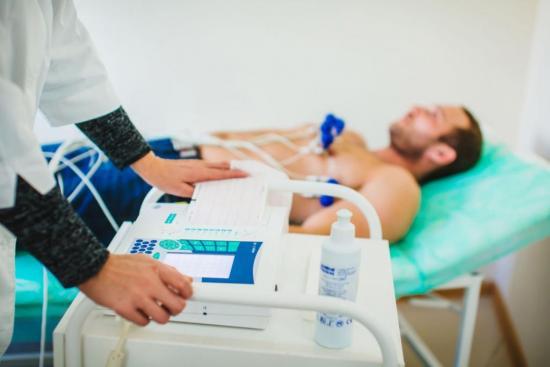 Электрокардиограмма позволяет распознать патологии сердца