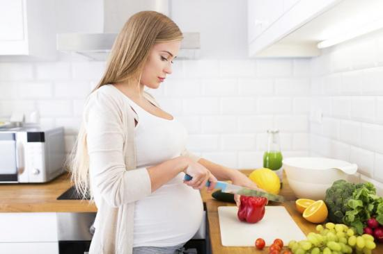 Беременным при метеоризме рекомендуется соблюдать диету
