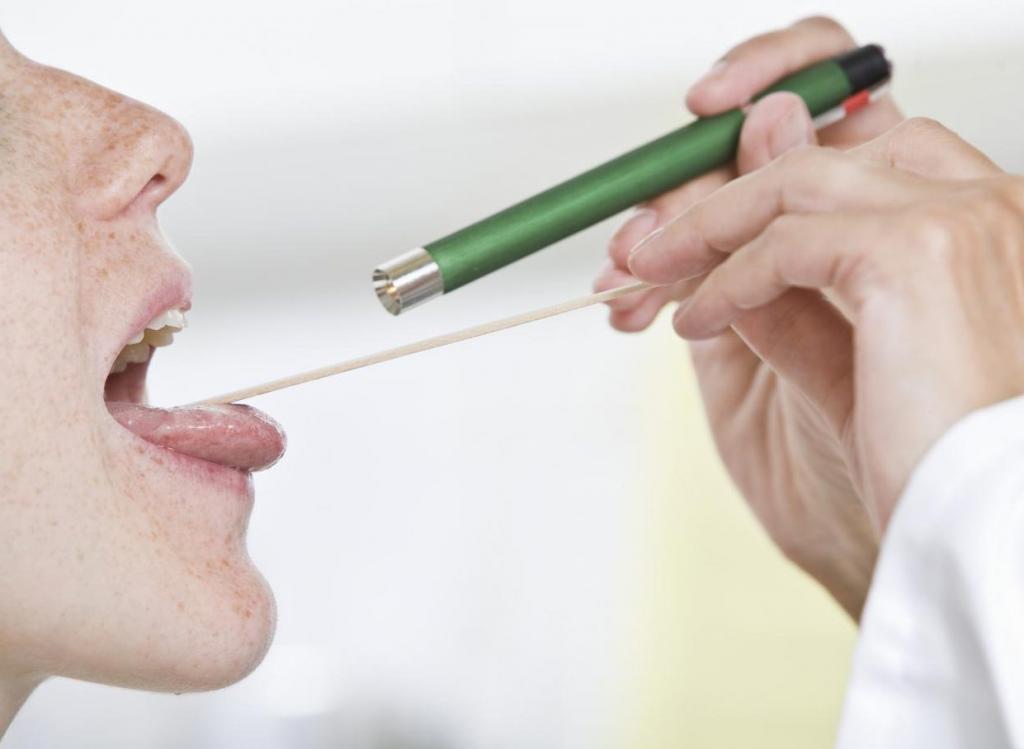 паразиты в горле человека видео