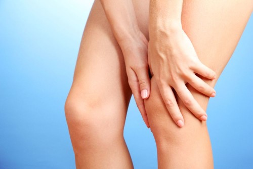 Как лечить ушибленное колено в домашних условиях спортивное фармакология для суставов