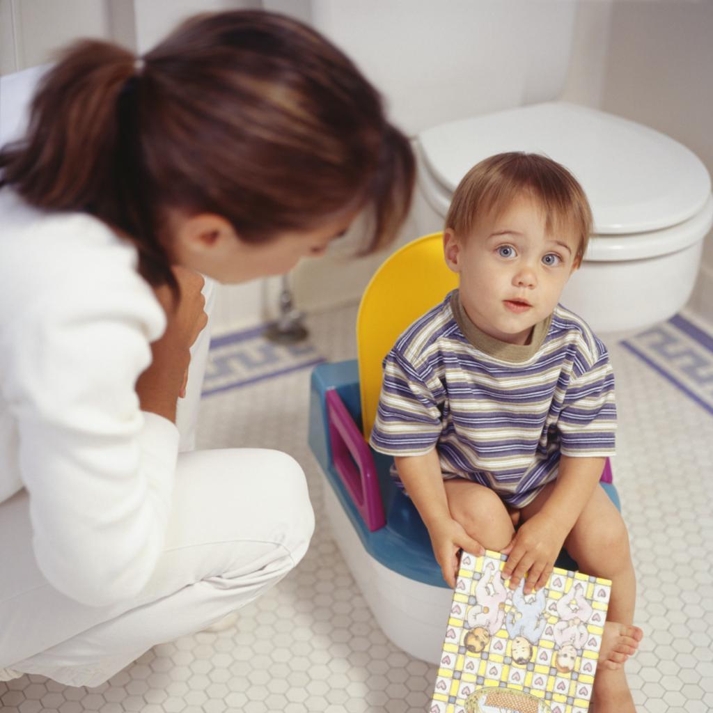 У ребенка понос: что дать в первую очередь (таблетки, препараты, народные средства) и чем он опасен