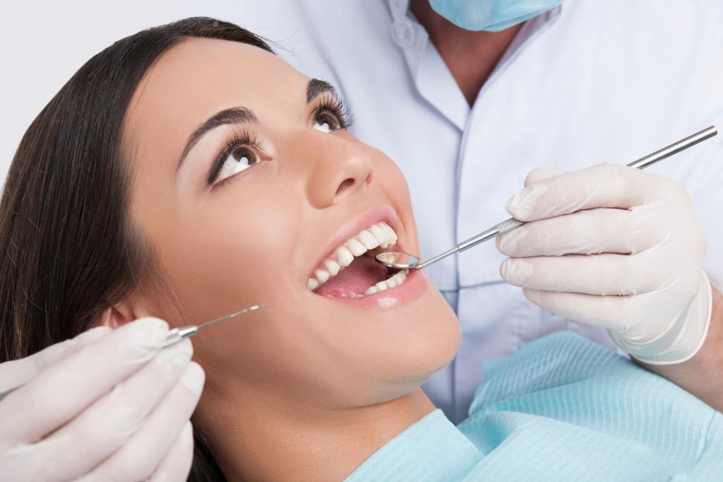 виды отбеливания зубов в клинике